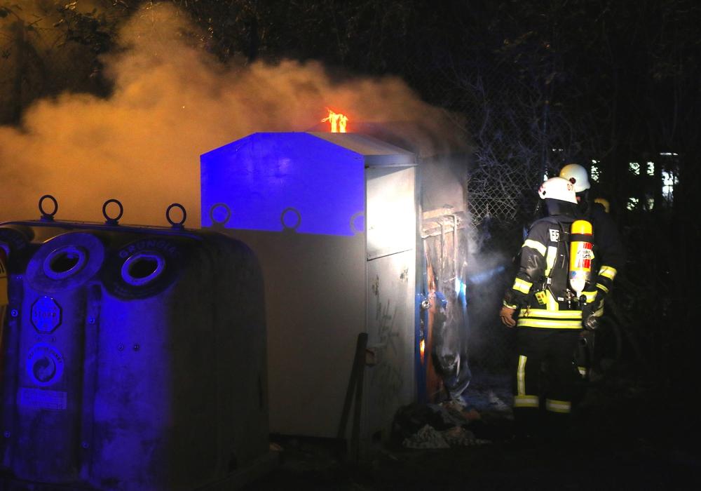 Treibt wieder ein Brandstifter sein Unwesen in Westhagen? Symbolfoto: Werner Heise