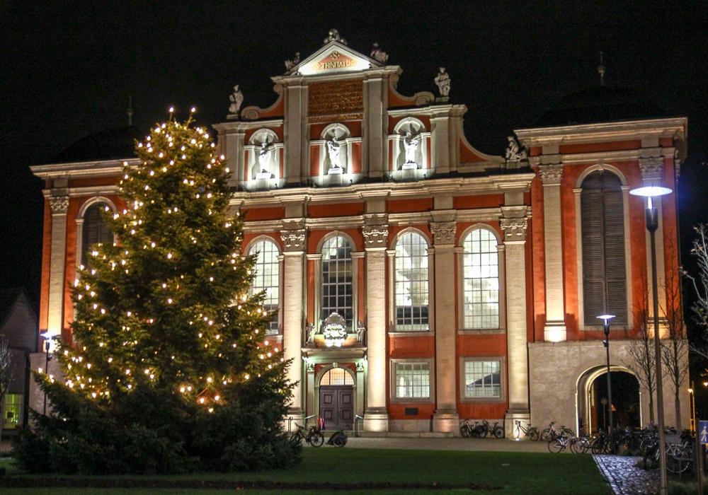 Wer an Weihnachten in die Kirche möchte, findet hier alle Termine. Foto: Thorsten Raedlein