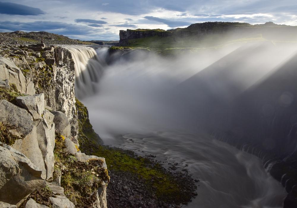 Der Dettifoss ist der größte Wasserfall im Nordosten Islands. Foto: Roland Bock/Foto-AG Selektion