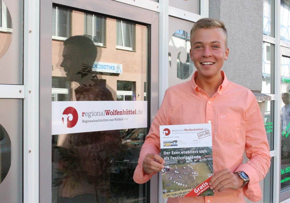 Kai Krull freut sich über die neue Offline-Ausgabe. Foto: Max Förster