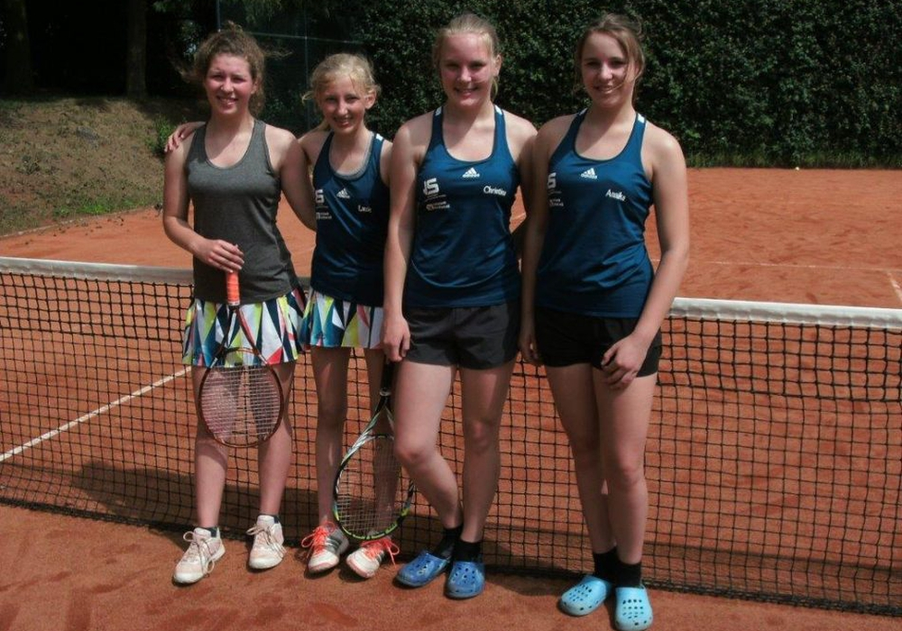 Die erfolgreichen Juniorinnen A: (v.l.) Amelie Leunig, Luzie Schwarzer, Christina Wagner und Annika Wagner. Foto: Hahndorfer TC