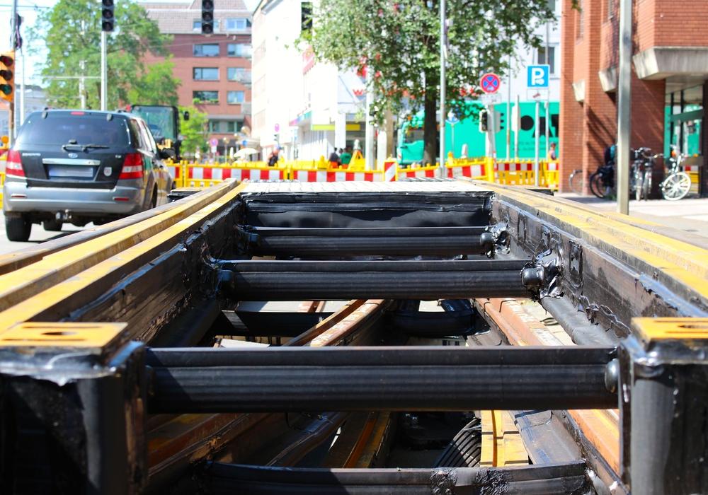 Die neuen Gleise sind eingesetzt, die Bauarbeiten am Hagenmarkt sind abgeschlossen. Foto: Sina Rühland