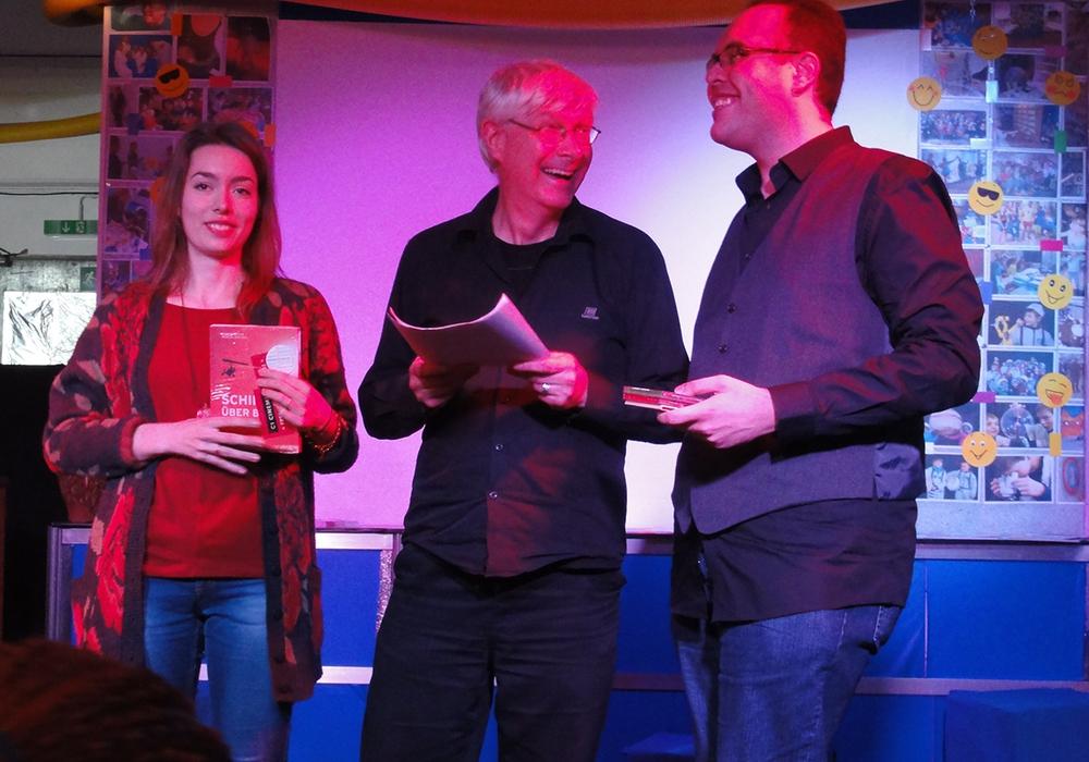 """Schreibwettbewerb """"Mein_Lyrik"""" - Preisträger gekürt. Von links: Ronja Linke, Axel Klingenberg und Mina Sanaam Foto: Privat"""