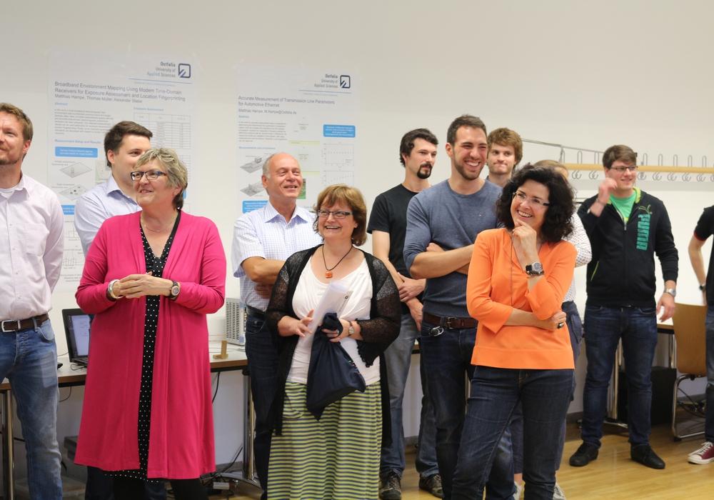 Niedersachsens Wissenschaftsministerin Gabriele Heinen-Kljajić (ganz rechts im Bild) zu Besuch an der Ostfalia Hochschule in Wolfenbüttel. Foto: Robert Braumann