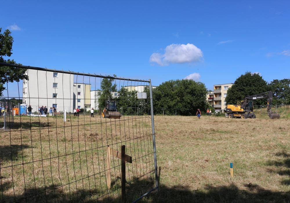 Die Stadt Braunschweig hat Ende vergangenen Jahres ein Konzept für den Bau von 15 dezentralen Unterkünften zur Flüchtlingsunterbringung vorgestellt. Dies war eine Reaktion auf die Entscheidung des Landes, dass Braunschweig ab dem Jahr 2016 Flüchtlinge aufnehmen soll. Foto: Robert Braumann