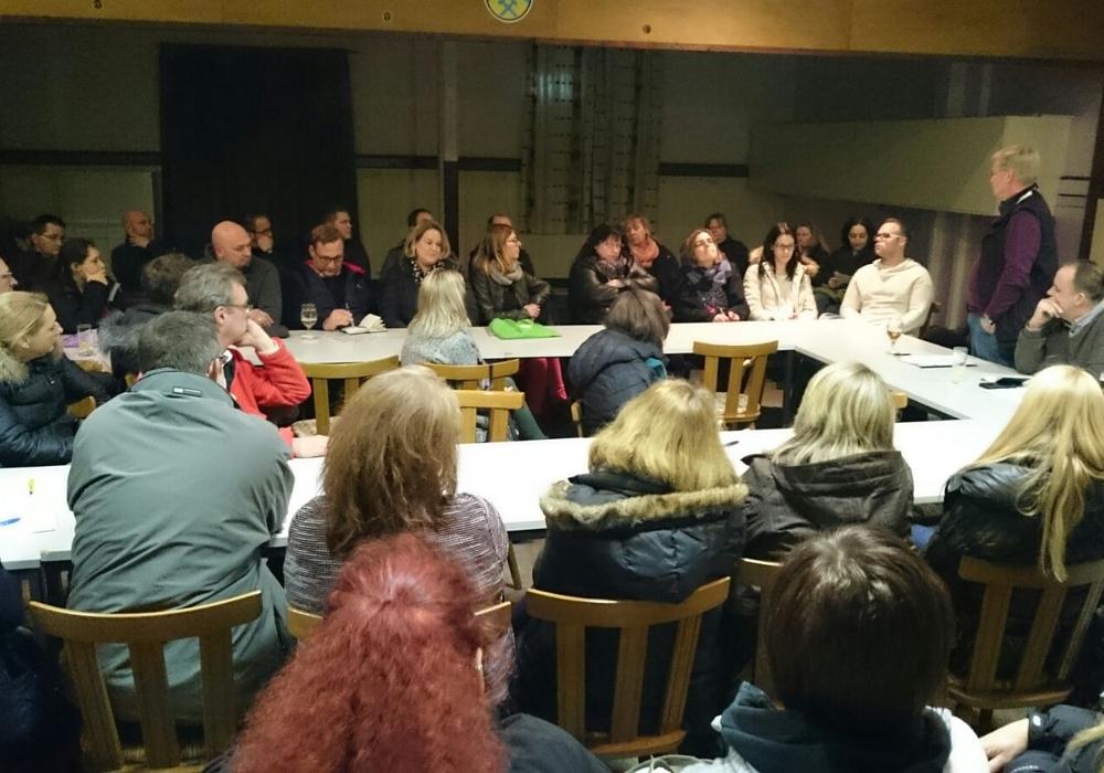 Die Unabhängige Wählergemeinschaft Denkte (UWG) hatte am 02.02.17 zur Information und Meinungsaustausch über die geplante Gesamtschule – IGS Schöppenstedt eingeladen. Foto: privat