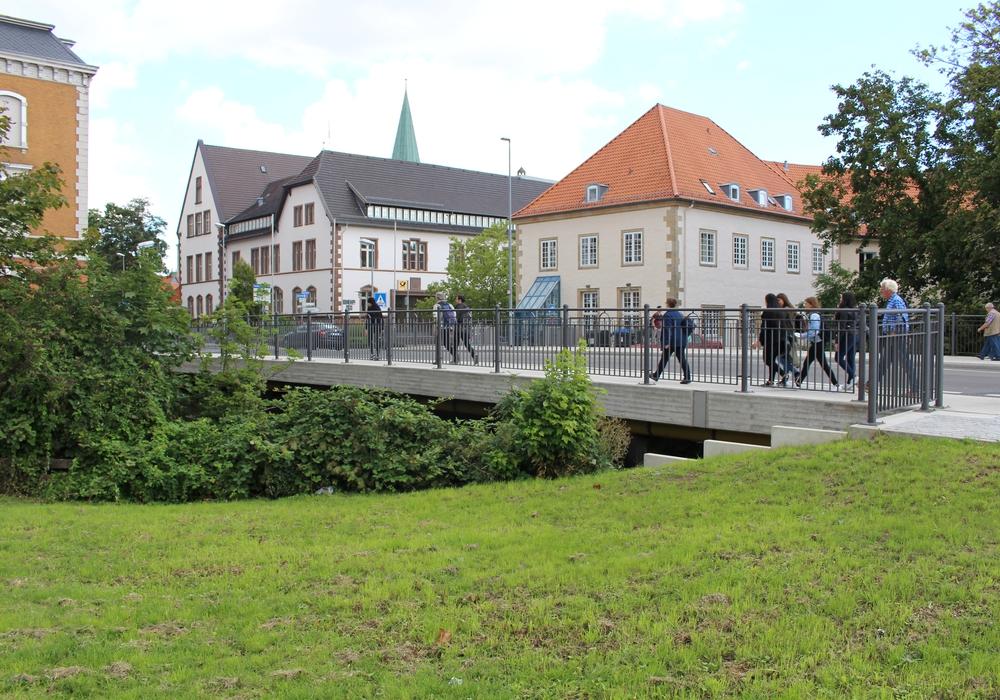 Das Denkmal soll am Ort der ehemaligen Kaffeehalle an der Brücke Bahnhofsstraße gepflanzt werden. Foto: Jan Borner