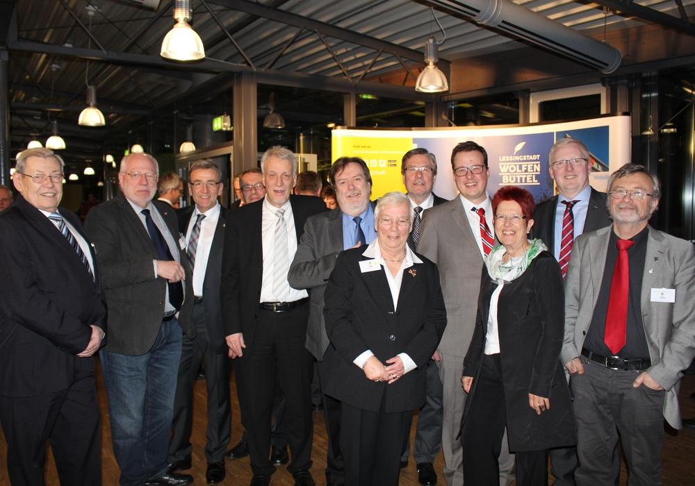Gruppenbild der SPD-Ratsfraktion beim diesjährigen Ratsempfang mit Bürgermeister Thomas Pink und dem Vorsitzenden der SPD-Kreistagsfraktion Falk Hensel. Foto: Jan Borner