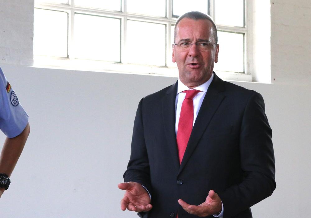 Niedersachsens Innenminister Boris Pistorius (Archivbild)