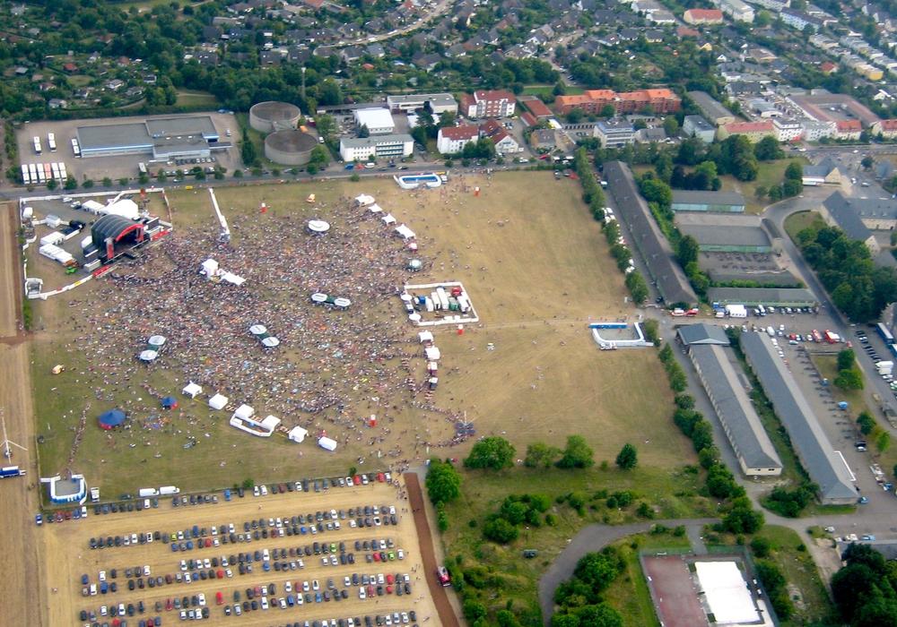 Das stars@ndr2 Festival lockte am Samstag 40.000 Besucher an den Exer. Foto: Timo Musiol/Luftsportgemeinschaft Wolfenbüttel