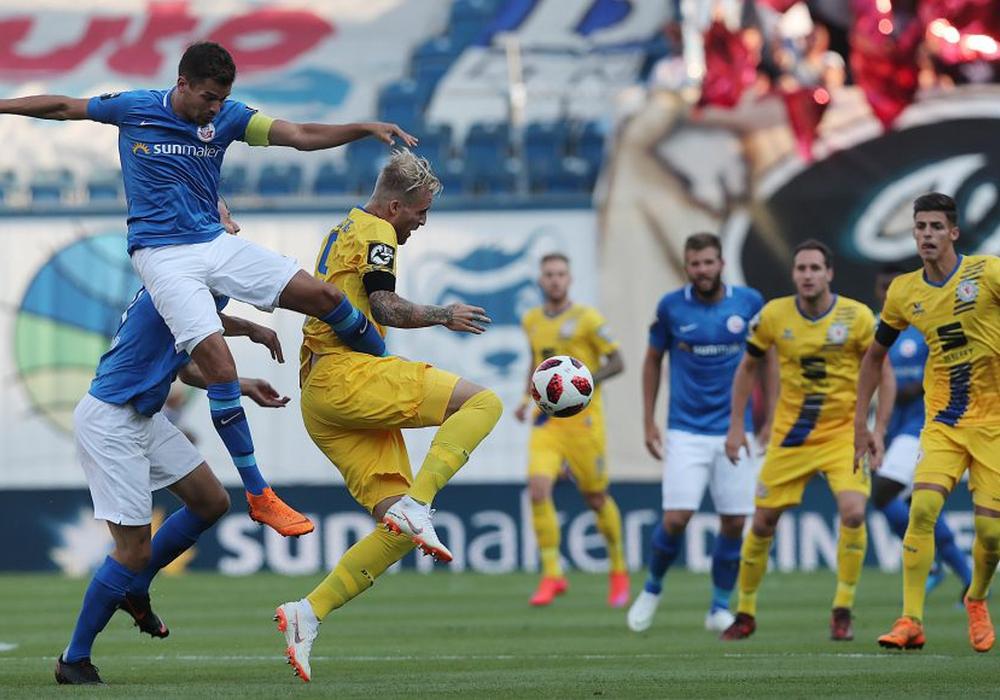 Eintracht Braunschweig blieb chancenlos im Ostseestadion. Fotos: Agentur Hübner