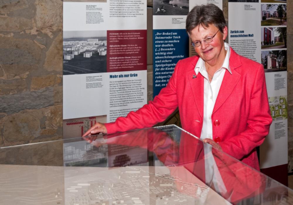 Dr. Bettina Greffrath im Stadtmuseum (Foto: Stadtmuseum/Peter Riewaldt)
