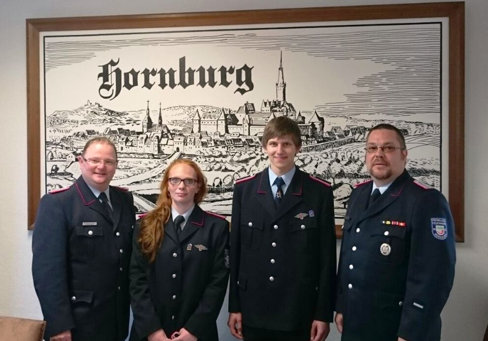 Von links: Ortsbrandmeister Wolfgang Hesse, Maria Wölfer, Justin Reppin, stellvertretender Ortsbrandmeister Thilo Linke. Foto: Privat