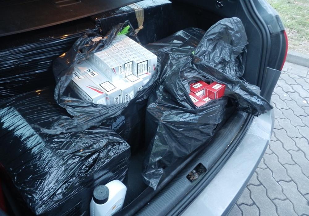 Ein Coup für den Zoll auf der A2 bei Helmstedt. 40.000 Zigaretten wurden sichergestellt. Foto: Hauptzollamt Braunschweig