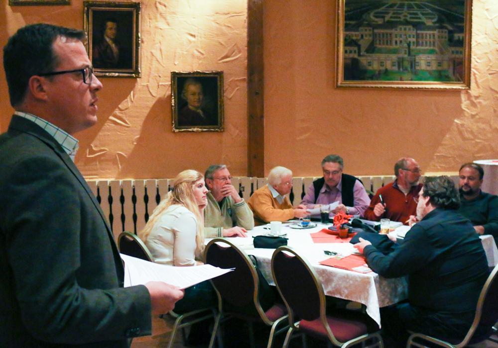 SPD-Stadtverbandsvorsitzender Jan Schröder ließ die Wahlkampfzeit Revue passieren. Fotos: Werner Heise