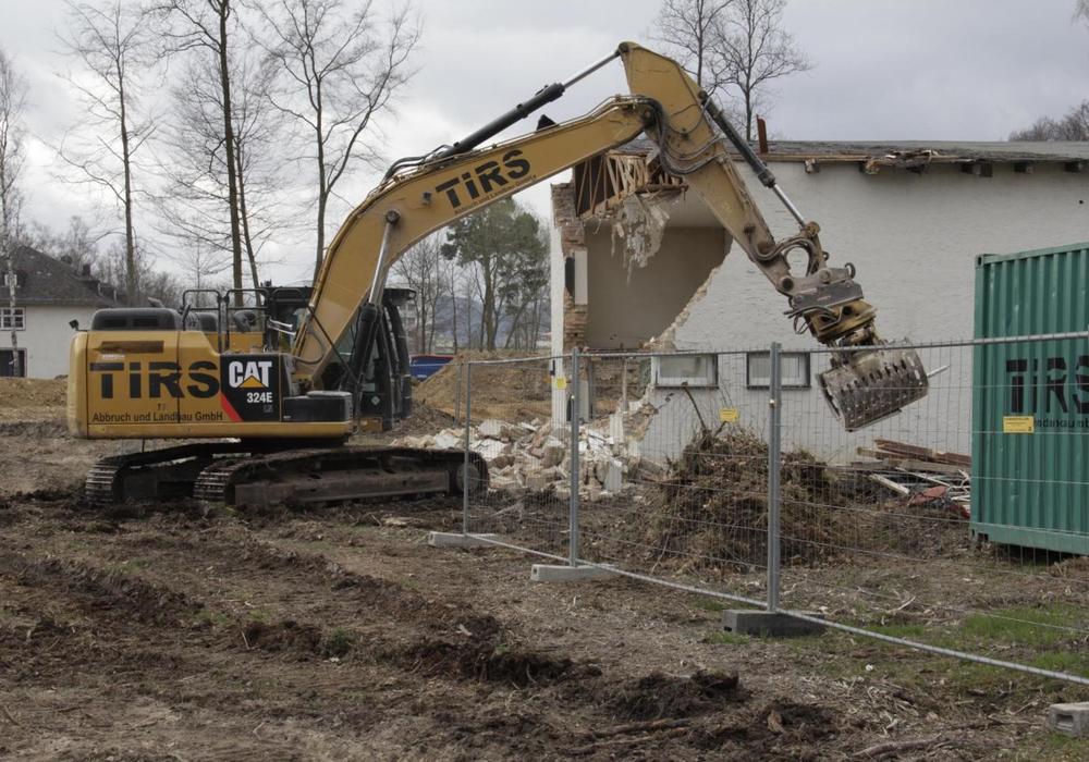 Der Abriss des alten Offizierscasinos hat begonnen. Foto: Kristina Weidelhofer/Klosterkammer Hannover