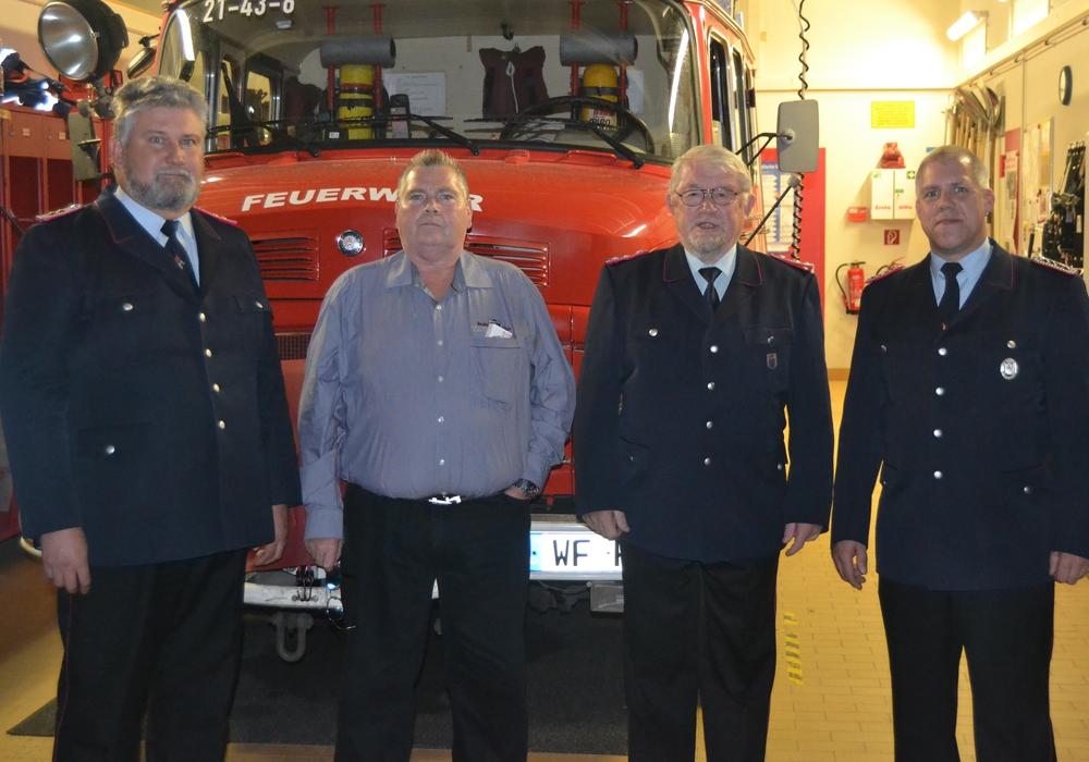 Die Feuerwehr Fümmelse traf sich zur Versammlung. Fotos: Gliese