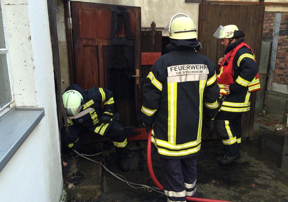 Die Feuerwehr Groß Stöckheim im Löscheinsatz. Foto: Werner Heise