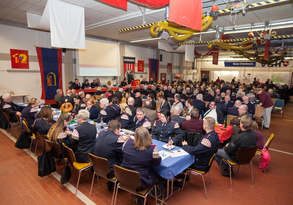 Am Samstagabend fand die Jahreshauptversammlung der Ortsfeuerwehr Goslar statt. Foto: Alec Pein