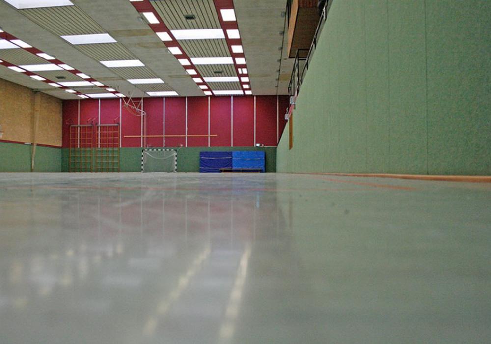 400.000 Euro muss die Stadt investieren, damit die Gymnastikhalle in der Albert-Schweitzer-Schule wieder nutzbar ist. Symbolfoto: Frank Vollmer