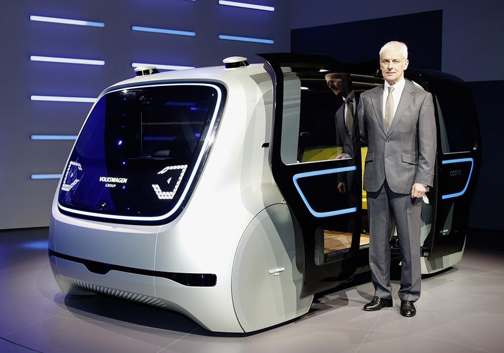 Vorstandvorsitzender des Volkswagen Konzerns Matthias Müller präsentierte Sedric. Foto: Volkswagen