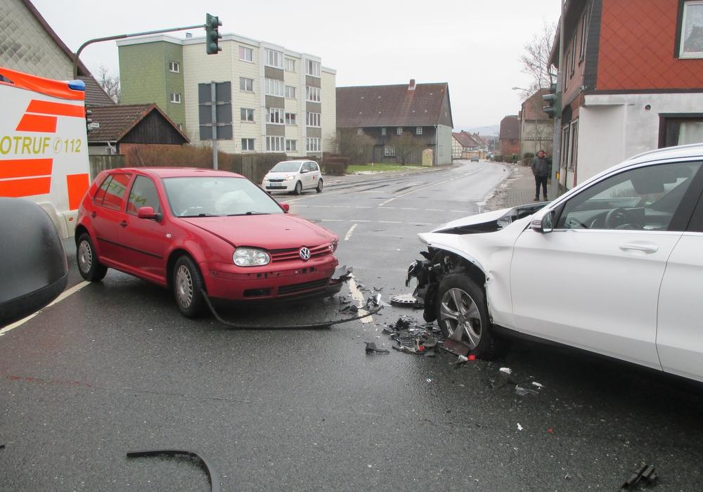 Unfall an Europakreuzung in Seesen. Foto: Polizei Goslar