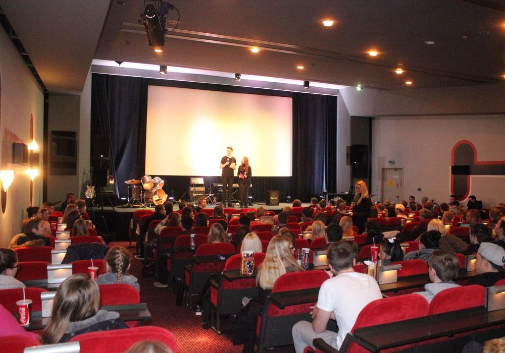 """Mit der Komödie """"Er ist wieder da"""" starteten am Montag die Goslarer Filmtage. Foto: Anke Donner"""