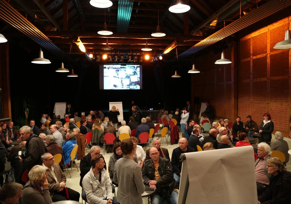 Zu einem Forum hatte die Stadtverwaltung Salzgitter Kulturschaffende, Kulturförderer, Kulturkenner und Kulturinteressierte in die Kulturscheune eingeladen. Foto: Stadt Salzgitter