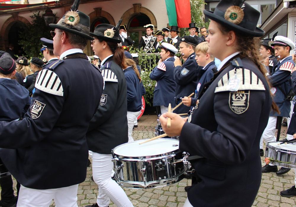 Die Polizei hatte das Peiner Freischießen im Griff. Umzüge und Festakte blieben friedlich. Foto: Frederick Becker