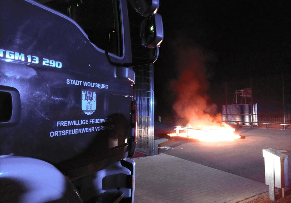 Die Feuerwehr brauchte 45 Minuten, um den Brand zu löschen. Fotos: Freiwillige Feuerwehr Vorsfelde