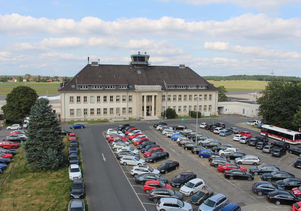 Der Braunschweiger Flughafen erfüllt die hohen Sicherheitsanforderungen der EASA. Foto: Alexander Dontscheff