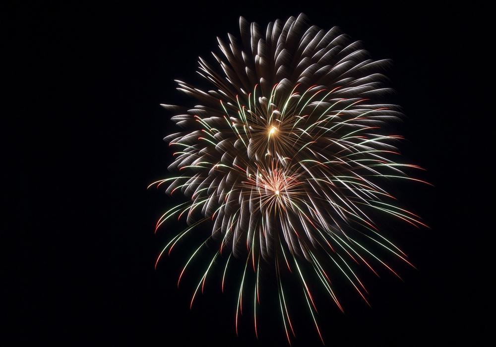 So schön kann Feuerwerk aussehen. Doch die Handhabung überlässt man besser den Profis. Symbolbild: pixabay