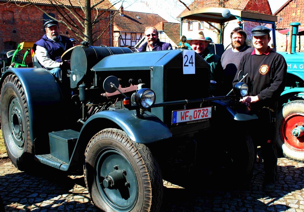 Am 9. April treffen sich die Oldtimer wieder in Watenstedt. Foto: Bernd-Uwe Meyer