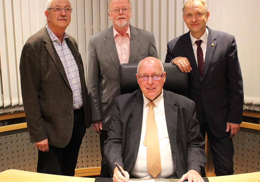 Karl-Heinz Linnert, Bernd Kielhorn, Friedhelm Seffer, Klaus Saemann (v. li.). Foto: Stadt Peine