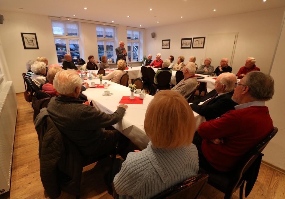 Harry Döhring bei der Information und Diskussion mit den CDU Senioren. Foto: Privat