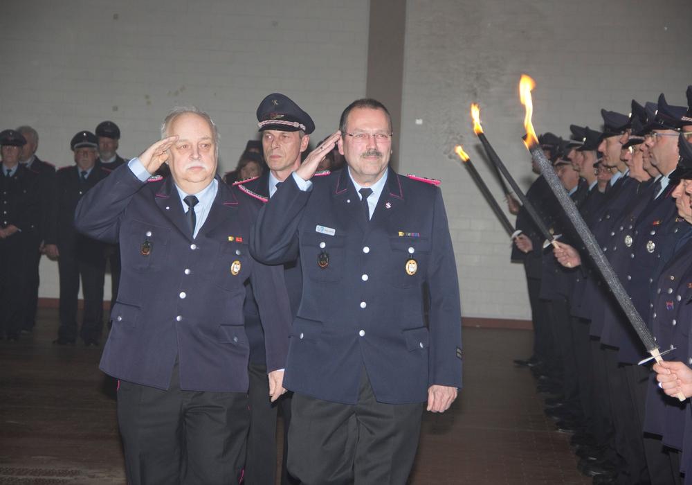 Hans-Joachim Störich und Frank Slotta bei ihrer Verabschiedung. Foto: Feuerwehr Goslar