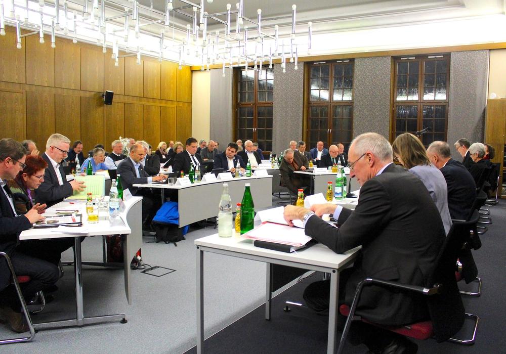 Die Mitglieder des Kreistages debattierten in ihrer heutigen Sitzung über das Integrations- und Teilhabekonzept. Foto: Nick Wenkel