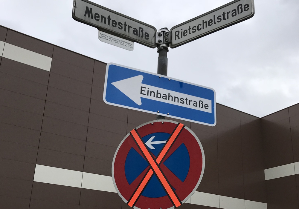 Im Bereich Rietschelstraße und Mentestraße sollen Bewohnerparkplätze her. Das fordert der Stadtbezirksrat. Foto: SPD