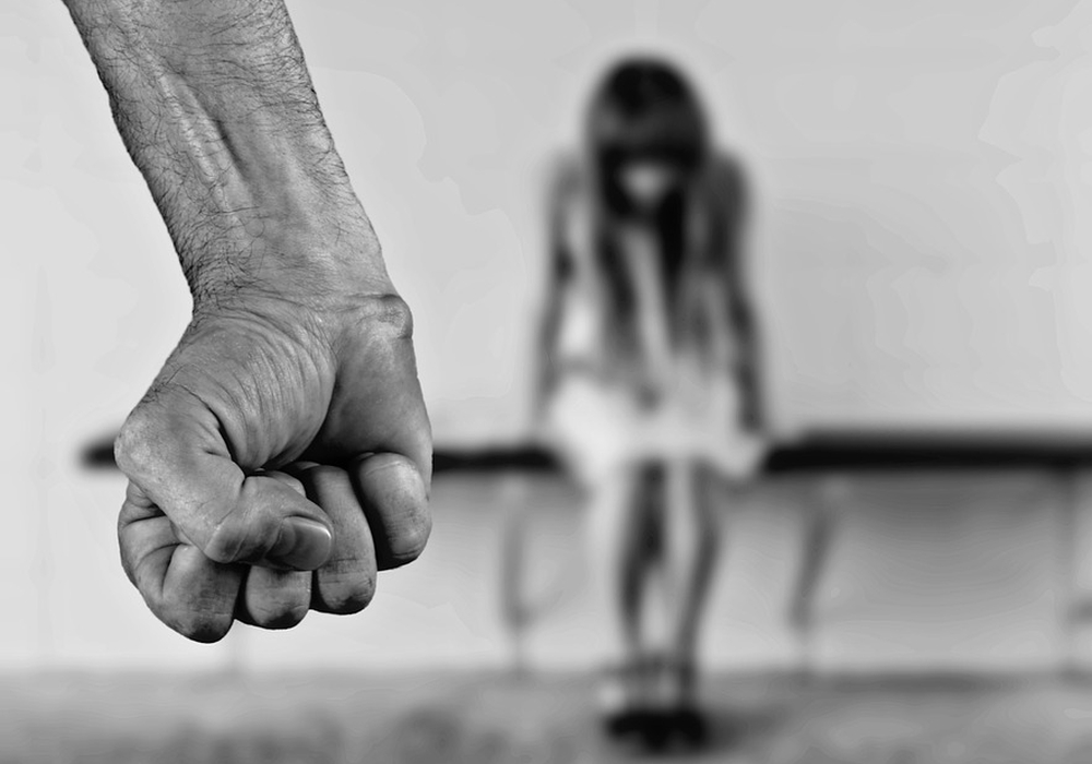 Helmstedter Promis setzen ein Zeichen gegen häusliche Gewalt. Symbolfoto: pixabay