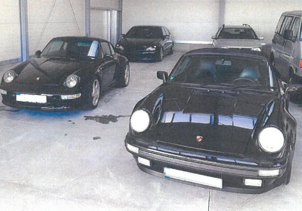 Die beiden entwendeten Porsche-Fahrzeuge. Foto: Polizei Goslar