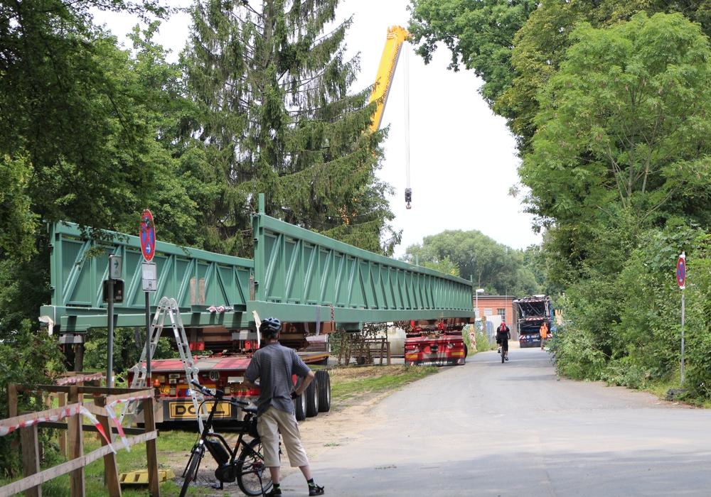 Die neue Ringgleis-Brücke soll ab September freigegeben werden. Fotos: Robert Braumann