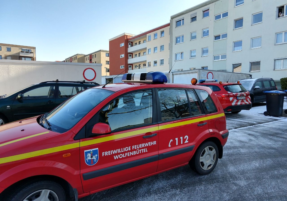 Ein Wäschetrockner ging in einem Mehrfamilienhaus in der Melanchtonstraße in Rauch auf. Fotos: Werner Heise