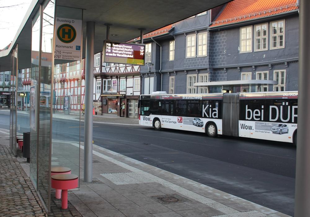 Vergünstigtes Fahren mit dem Bus soll bald das Sozialticket möglich machen. Symbolfoto: Alexander Dontscheff