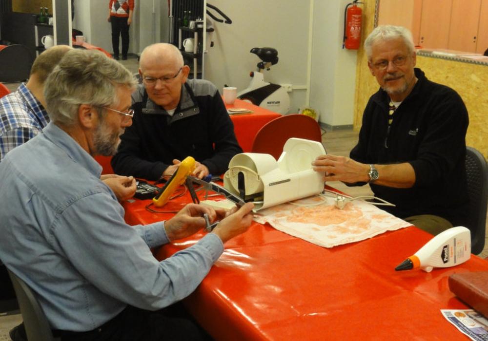 Sachen gemeinsam reparieren - das ist das Prinzip des Repair-Cafés. Foto: Freiwilligenagentur