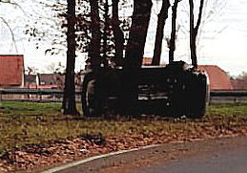 Der Wagen landete auf der Seite. Foto: Rudolf Karliczek