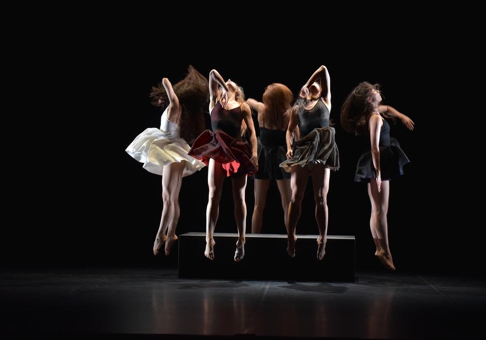 """Ballet Preljocaj: Szene aus dem Stück """"La Fresque"""" Fotocredit: Carbonne, Jean-Claude"""