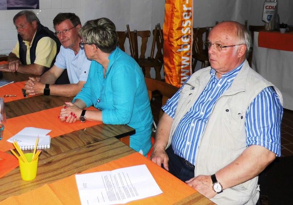 """Am letzten Dienstagabend fand in der CDU """"Wähl-Bar"""" in der Löwenstrasse das Bürgergespräch zum sehr aktuellen Thema Innenstadtentwicklung statt. Foto: CDU"""