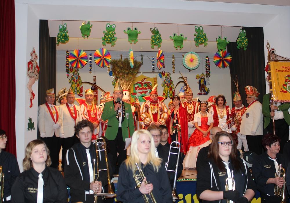 Der 1. Harzburger Carnevals Club von 1977 e.V. veranstaltet mit ihrem Prinzenpaar Thomas den Ersten und Nicole die Erste am 30. Januar 2016 ihre große Prunksitzung im Freizeitzentrum in Harlingerode. Fotos: Privat
