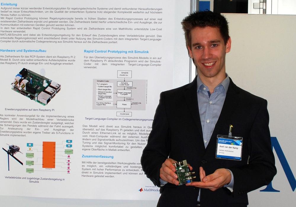 Der Doktorand Axel van der Kamp präsentiert das von ihm entwickelte System bei der MATLAB-Expo in München. Foto: Dagmar Meyer