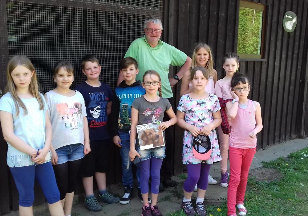 Schüler der Grundschule Jürgenohl besuchten im Rahmen eines Vielfaltprojekts den Tierschutzverin Goslar und Umgebung e.V. Foto: Christiane Neumann